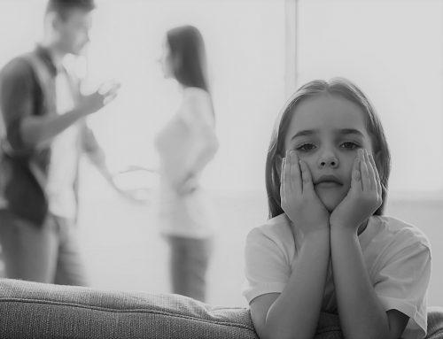 """Zašto je ok da na terapiji """"ogovaramo"""" svoje roditelje"""